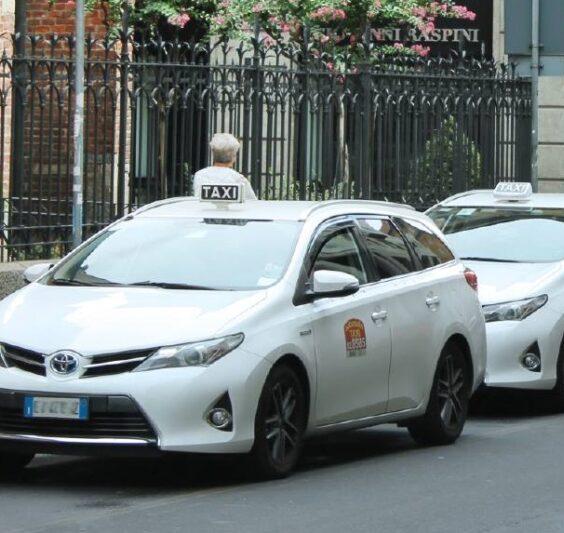 chiamare un taxi al ristorante - servizi taxi per aziende e hotel