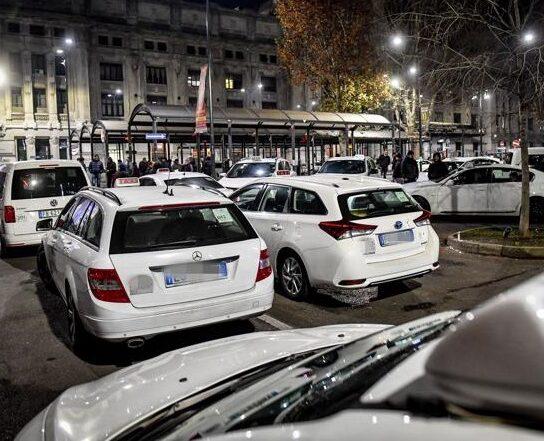 sciopero taxi a milano - organizzazioni sindacali criticano il comune di Milano